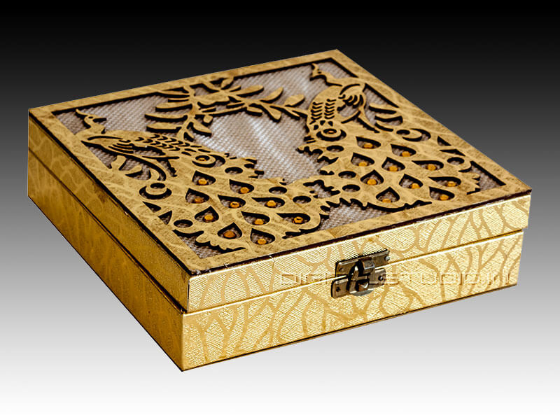 Decorated gift gox with engraving