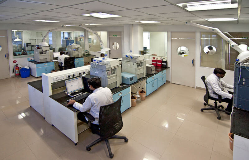 lab technicians in pharma plant