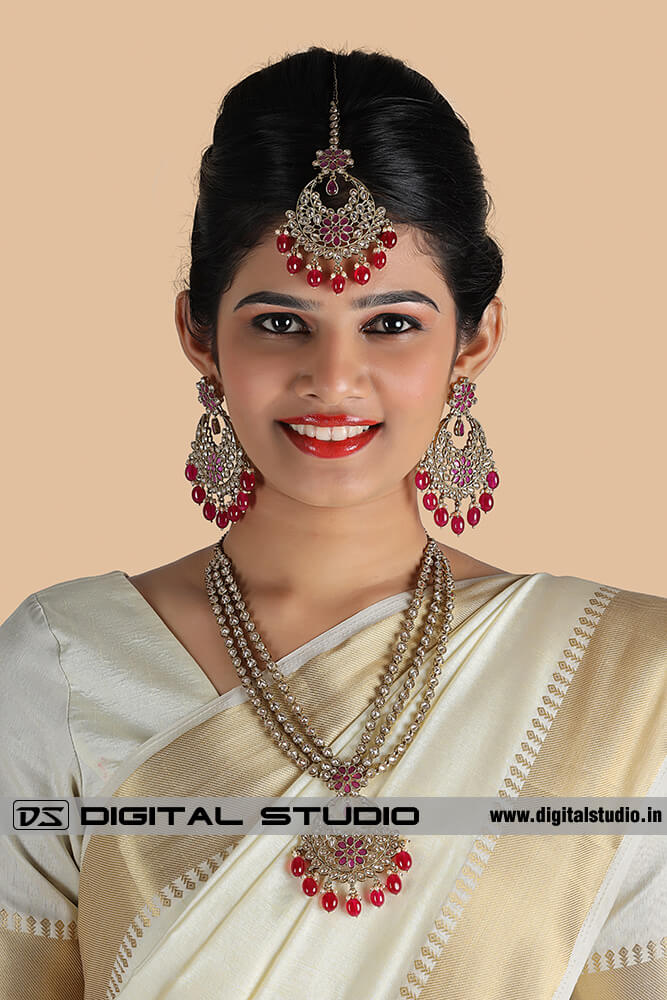 Model wearing bridal jewellery