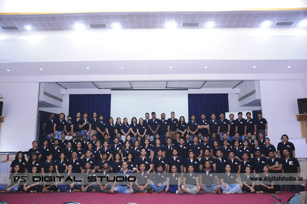 Group photograph of all participants
