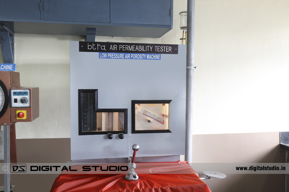 Fabric control testing machine