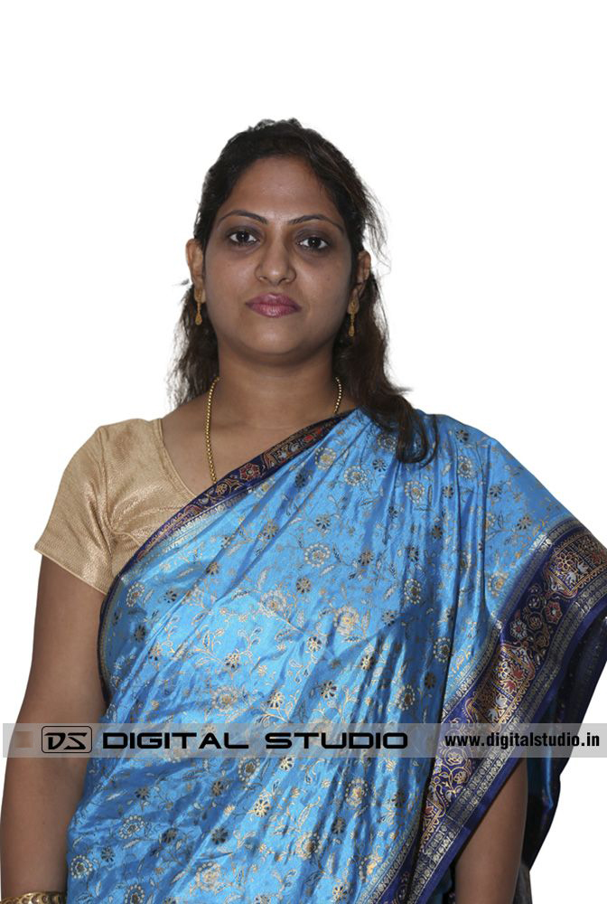 Lady in sari for corporate shoot