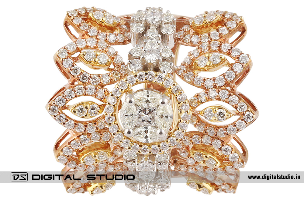 Diamond Ring set in pure gold